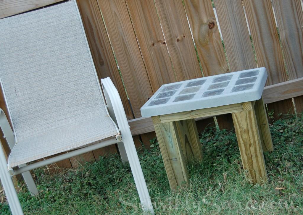 Outdoor Side Table | SensiblySara.com