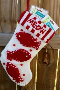 Christmas present ideas for your pet! #HappyAllTheWay #cbias #shop