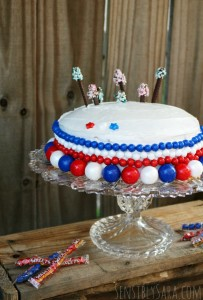 4th of July Cake with Sweetworks Candy #ad #SweetworksPatriotic