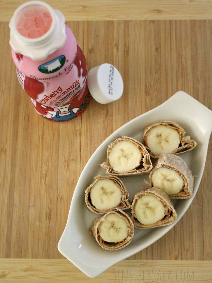 Banana Rolls with Strawberry Shamrock Farms mmmmilk | SensiblySara.com