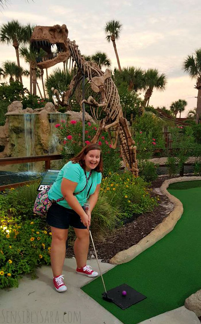 Sara Putt-Putt Golfing | SensiblySara.com