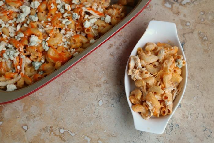 Buffalo Chicken Mac and Cheese | SensiblySara.com