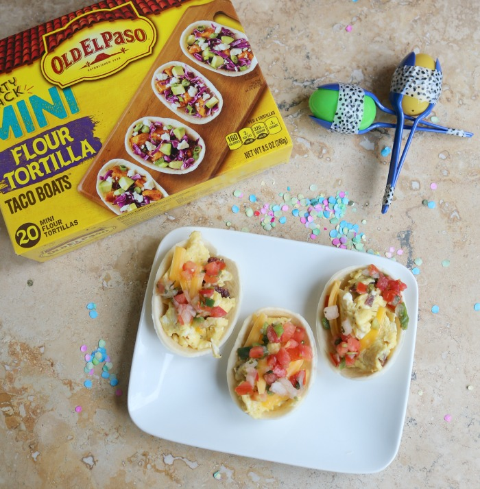Breakfast Tacos in Mini Taco Boats | SensiblySara.com