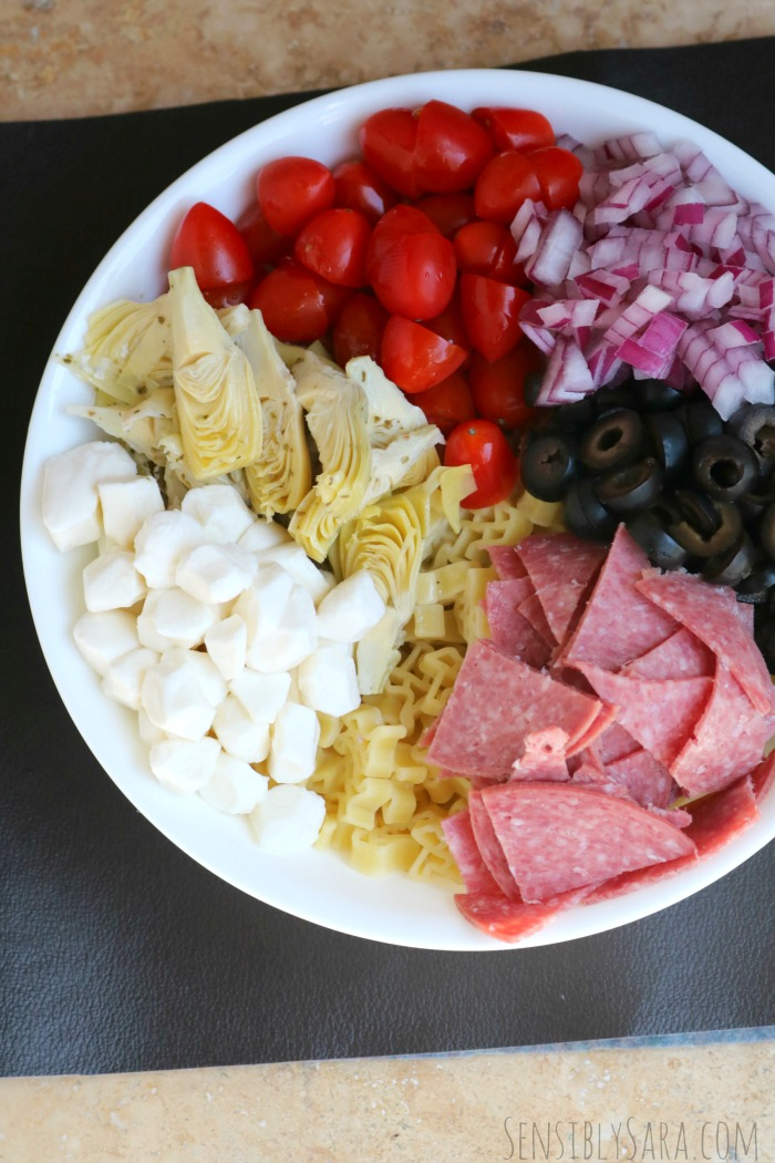 Easy Pasta Salad Recipe | SensiblySara.com