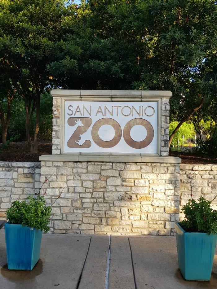 San Antonio Zoo | SensiblySara.com