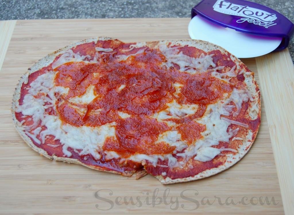 Flatout Flatbread Pizza | SensiblySara.com
