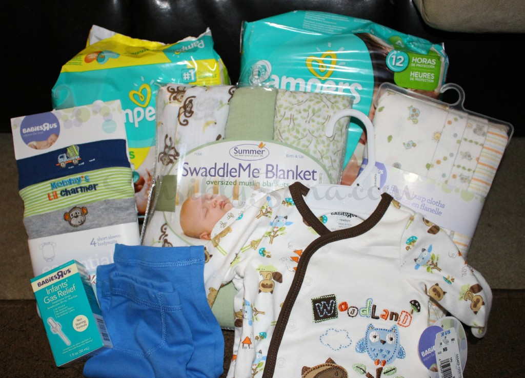 Giving the Gift of Sleep with Pampers   SensiblySara.com