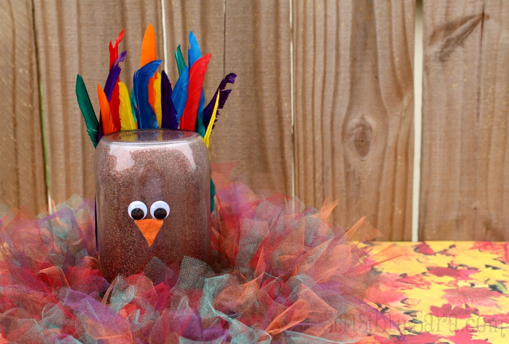 Mason Jar Turkey Craft DIY | SensiblySara.com