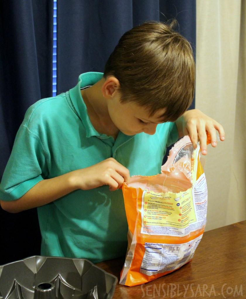 KITK - Making Pull Apart Bread | SensiblySara.com
