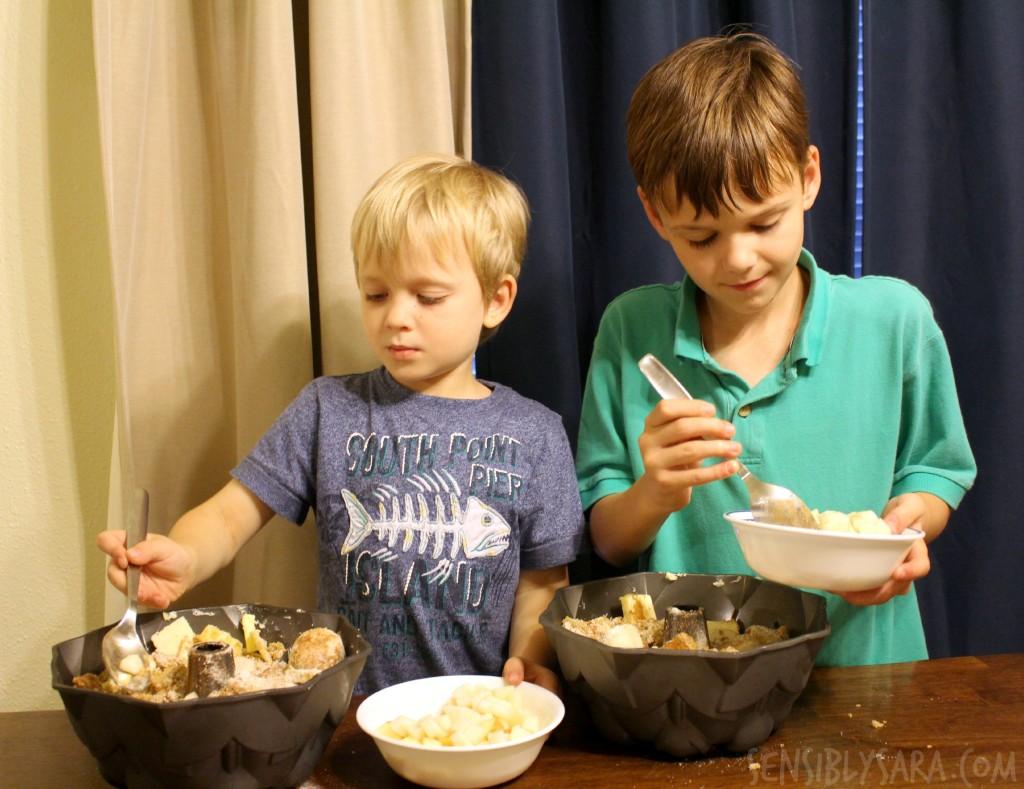 Kids in the Kitchen: Pull Apart Bread | SensiblySara.com