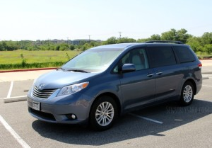 2014 Toyota Sienna XLE {#Review}
