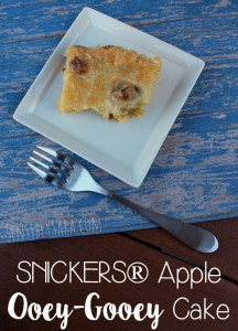 SNICKERS® Apple Ooey-Gooey Cake #ad #WhenImHungry