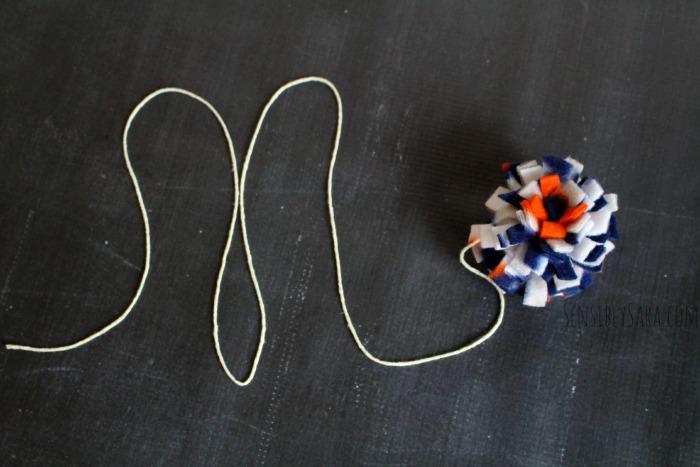 DIY No-Sew Cat Toys | SensiblySara.com