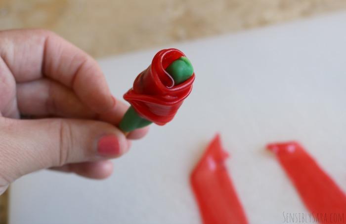 Fruit Roll Up Roses | SensiblySara.com