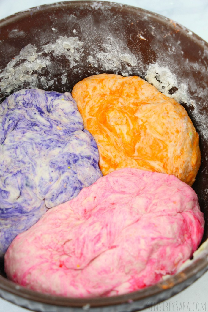 unicorn cinnamon rolls - dough rising | SensiblySara.com