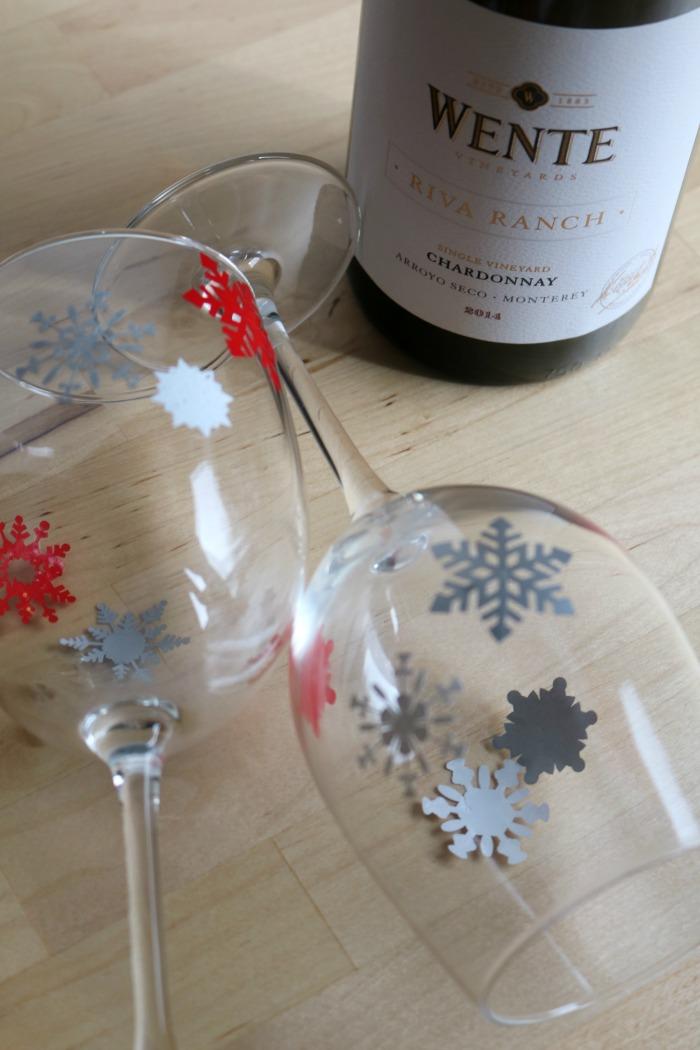 Decorated Wine Glasses | SensiblySara.com