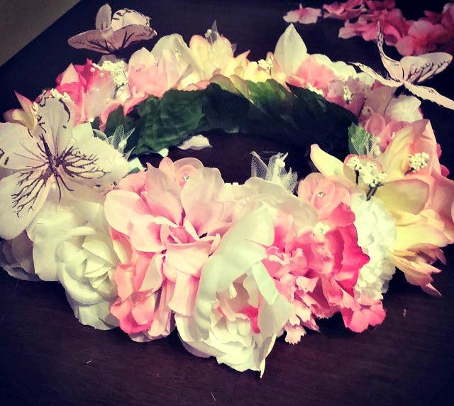 How to Make a DIY Flower Crown | SensiblySara.com