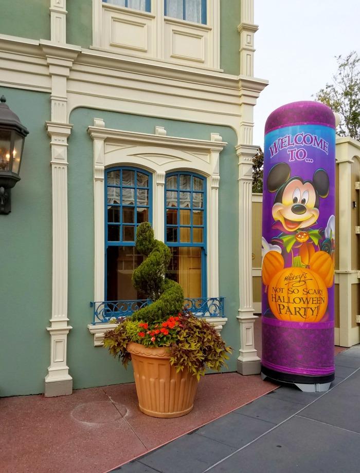 Mickey's Not So Scary Halloween Party   SensiblySara.com