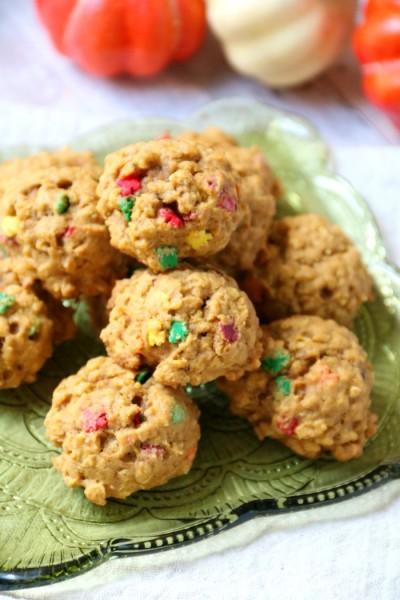 Pumpkin Spice Oatmeal Cookies Recipe | SensiblySara.com