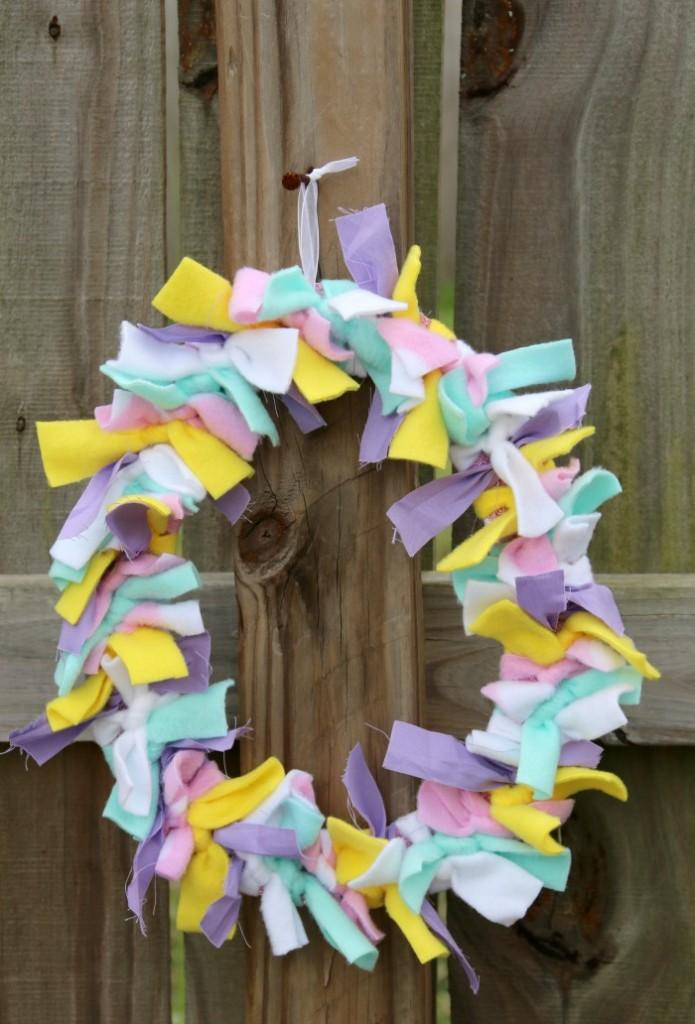 Easter Rag Wreath | SensiblySara.com