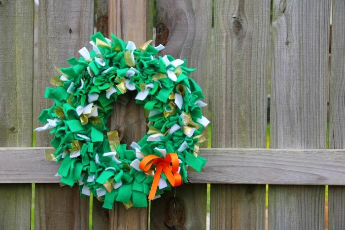 Rag Wreath for St. Patrick's Day   SensiblySara.com