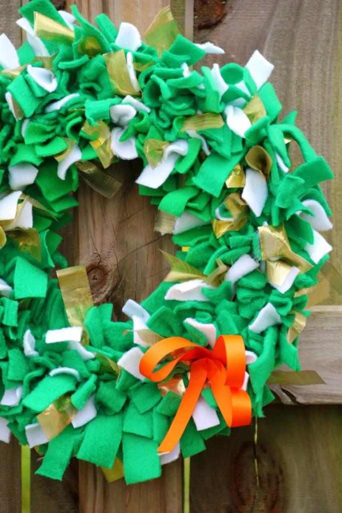 St. Patrick's Day Rag Wreath   SensiblySara.com