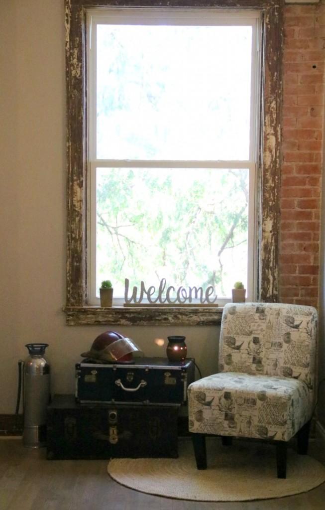 Welcome Sign at Bed and Brew | SensiblySara.com