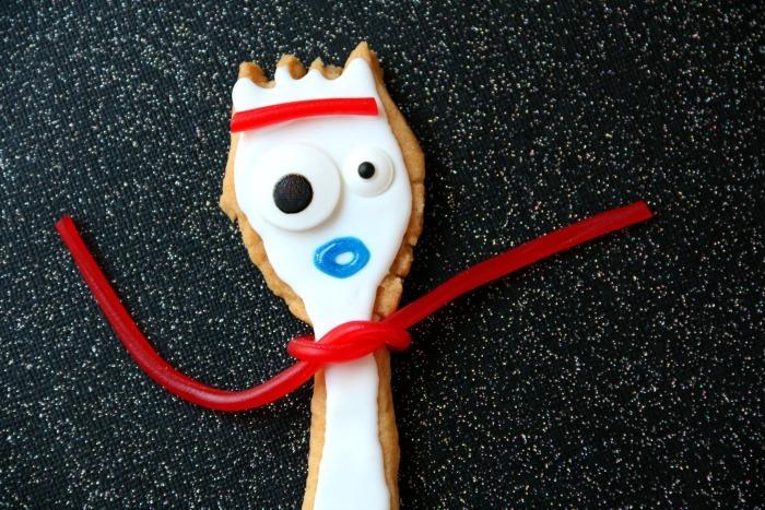Toy Story 4 Forky Cookies   SensiblySara.com